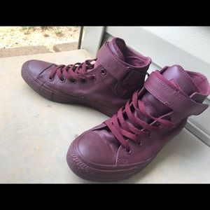 Maroon High Top Converse Size 7